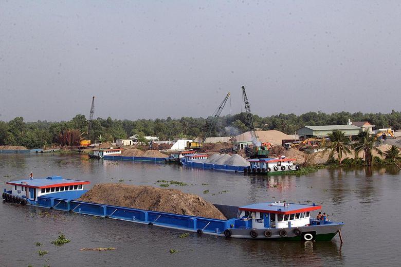 مخالفت استخراج شن و ماسه رودخانه