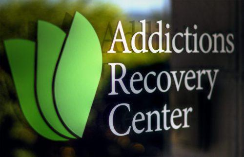 مجوز مرکز درمان و بازتوانی معتادین