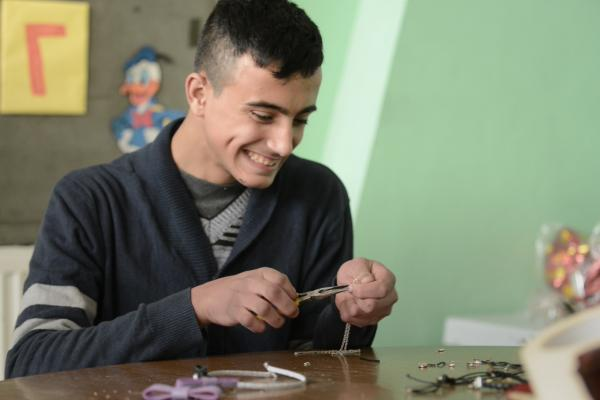 تاسیس مراکز حرفه آموزی معلولین