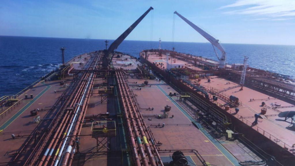 انتقال مواد نفتی از كشتی به كشتی